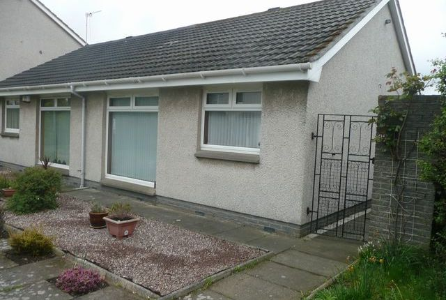 Thumbnail Bungalow to rent in Craigs Park, Edinburgh