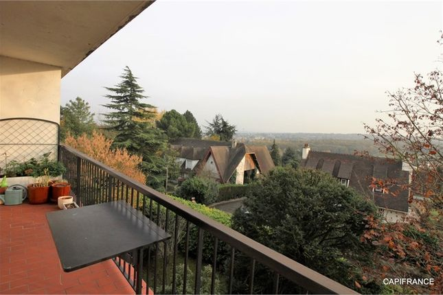 4 bed apartment for sale in Île-De-France, Yvelines, Chambourcy