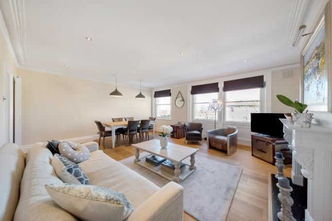 3 bed flat for sale in Nightingale Lane, London