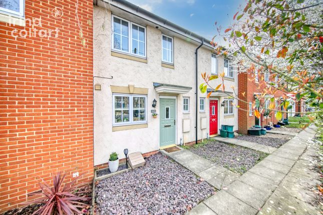 2 bed terraced house to rent in Mill Road, Colchester CO4