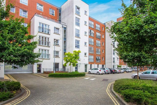 2 bed flat for sale in Avenel Way, Poole