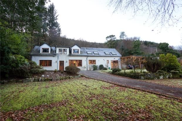 Picture No. 05 of Lochend, Sandbank, Dunoon, Argyll And Bute PA23