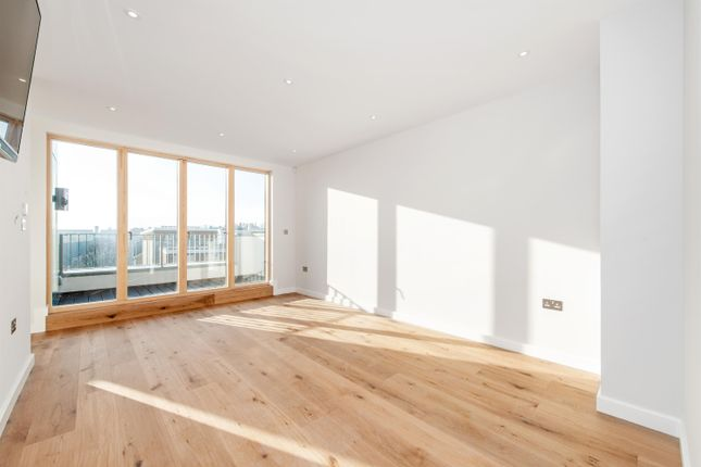Thumbnail Flat for sale in Stepney Way, London