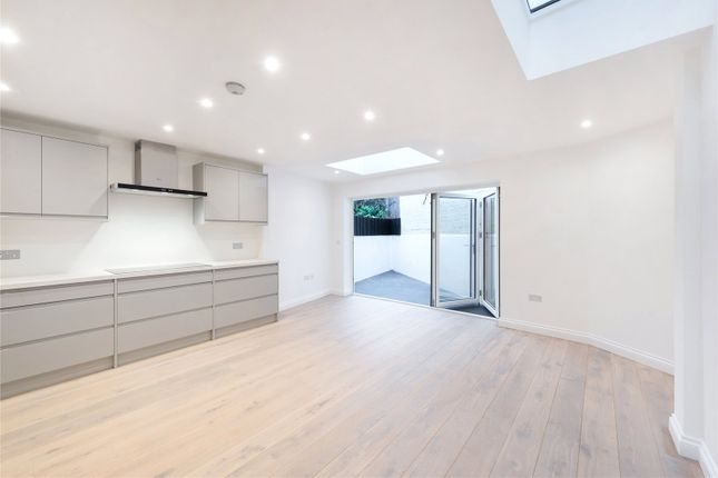 Thumbnail Flat to rent in Ewald Road, Parsons Green, Fulham