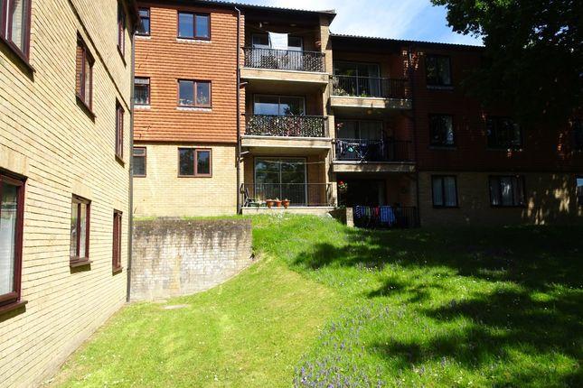 Flat to rent in Montargis Way, Crowborough