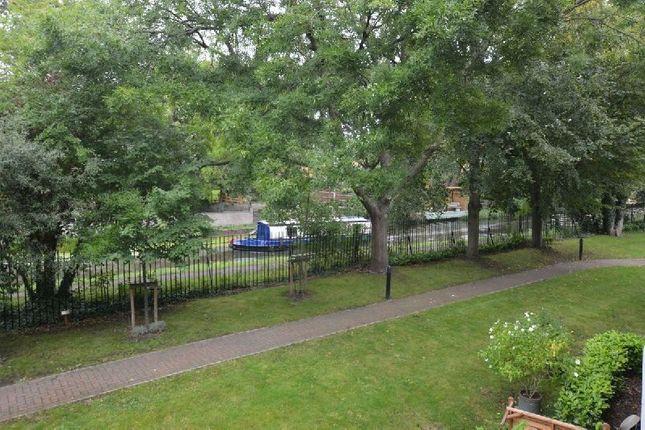 Thumbnail Flat for sale in Little Glen Road, Glen Parva, Leicester