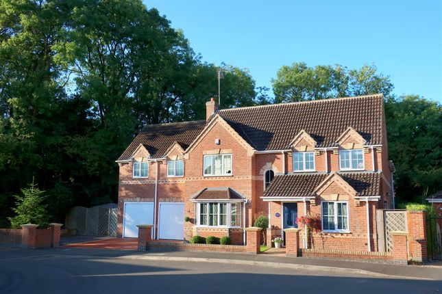 Main Front_2 of Whistlestop Close, Mickleover, Derby DE3