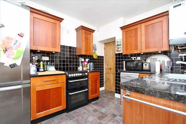 Kitchen of Faraday Road, Ipswich IP4