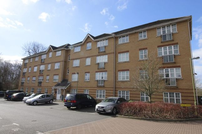 Thumbnail Flat to rent in Aylward Drive, Stevenage