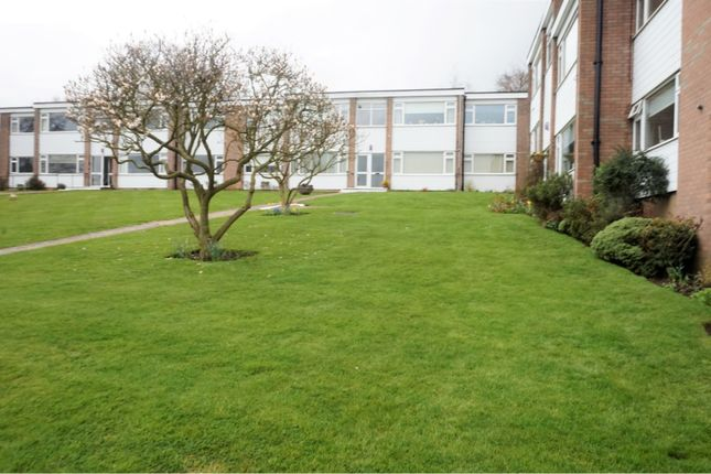 Thumbnail Flat for sale in Bower Court, Epping