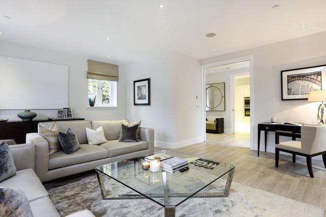 Thumbnail Property to rent in Pembroke Gardens, London
