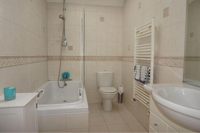 Bathroom of Watling Street, St. Albans AL2