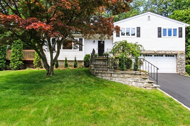 Property for sale in 210 Robert Drive New Rochelle, New Rochelle, New York, 10804, United States Of America