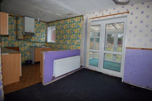 Kitchen of Cherwell Avenue, Kidlington OX5