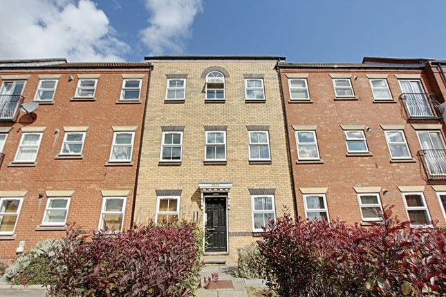 Thumbnail Flat for sale in Plimsoll Way, Hull