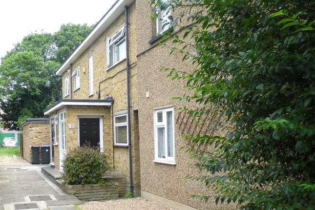 Thumbnail Maisonette for sale in Elm Park Road, Winchmore Hill