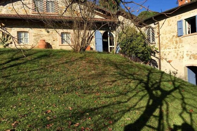 Thumbnail Villa for sale in Tuscany, Lunigiana, Villafranca In Lunigiana