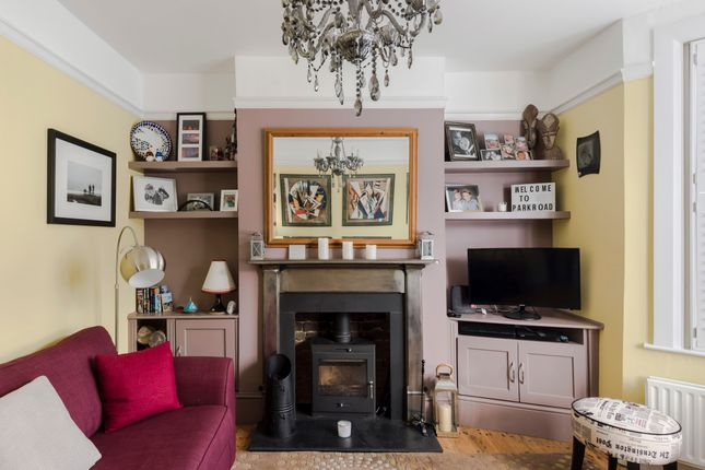 Duplex to rent in Park Road, Colliers Wood, London