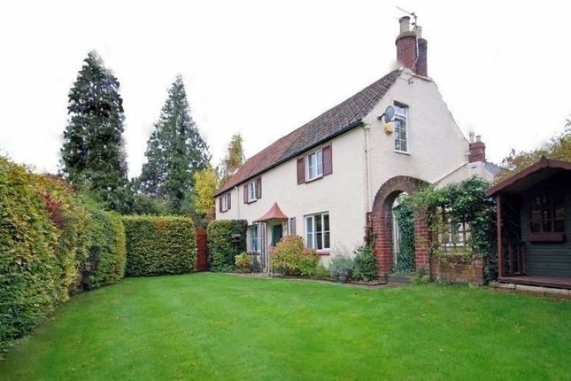 Thumbnail Detached house to rent in Balcarras Road, Cheltenham