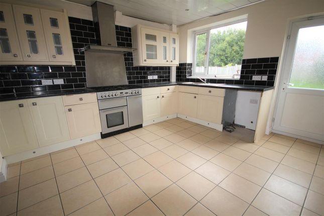 10 Birdwood Road Kitchen  (1)