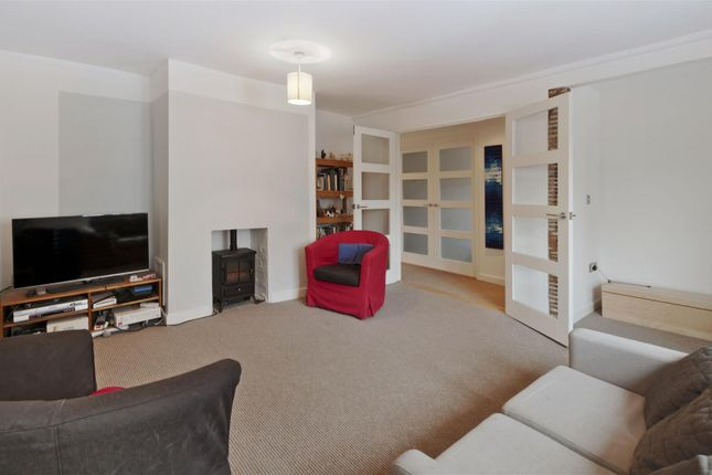 Thumbnail Flat for sale in Lees Road, Yalding, Maidstone