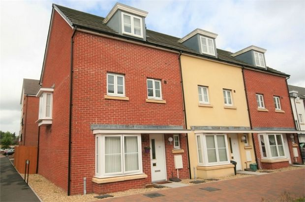 Thumbnail End terrace house to rent in Pottery Street, Swansea