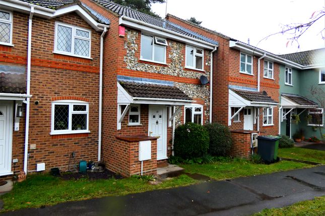 Thumbnail Property to rent in Corbett Drive, Lightwater