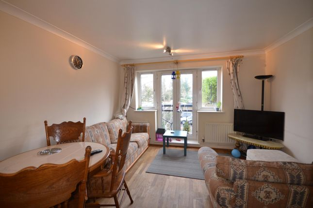 Flat to rent in Century House, Forty Avenue, Wembley
