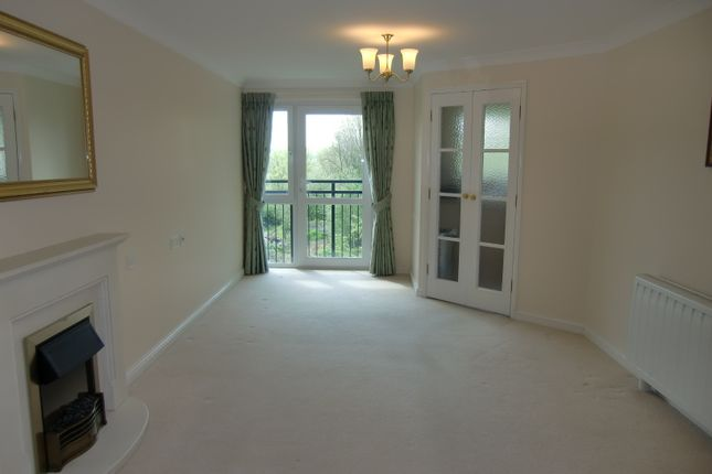 Thumbnail Flat to rent in St Rumbolds Court, Buckingham Road, Brackley, Northamptonshire