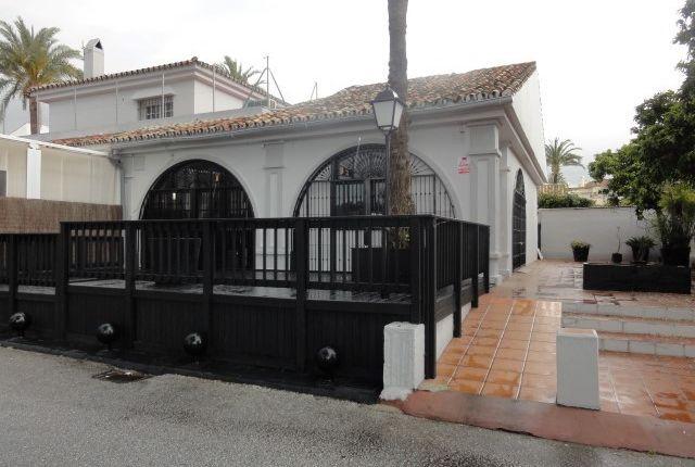 Commercial property for sale in Benavista, Benavista, Malaga, Spain