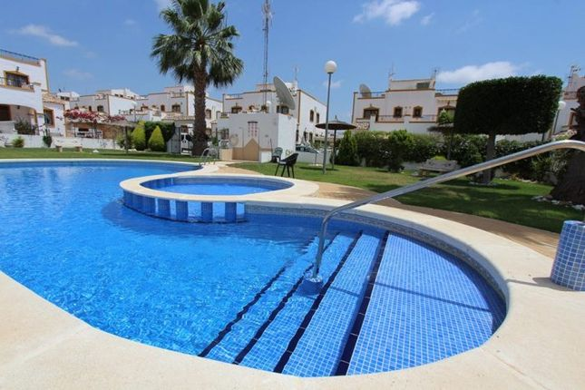 Thumbnail Villa for sale in Entre Naranjos, Costa Blanca, Spain