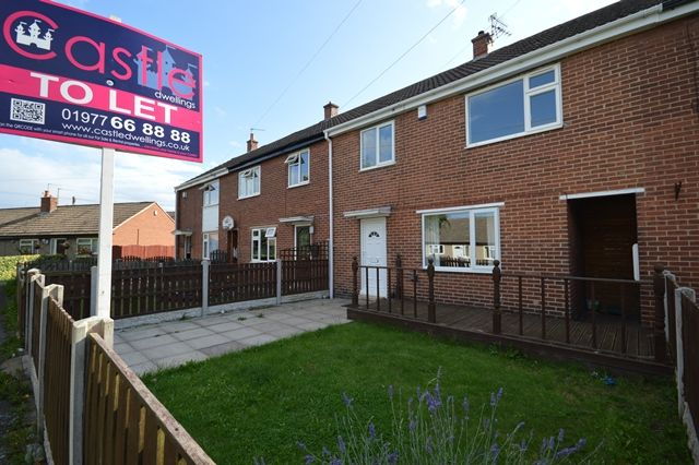 Thumbnail Town house to rent in The Meadow, Normanton