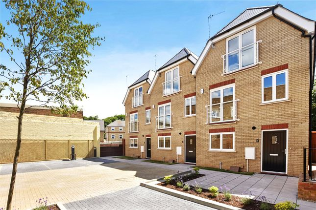Thumbnail Terraced house for sale in Postal Close, Bourne Road, Bexley