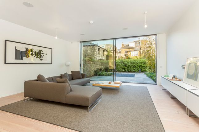 Thumbnail Town house to rent in Ravenscourt Road, London