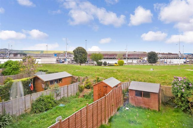 Thumbnail Terraced house for sale in Chapel Street, Newhaven, East Sussex