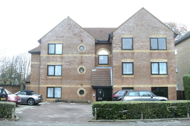 1 bed flat to rent in Grange Road, Sutton
