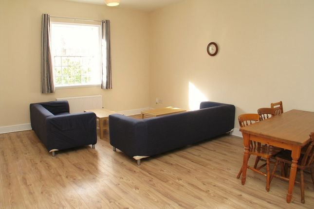 Thumbnail Flat to rent in Osterley Views, Nr. Hanwell, Ealing