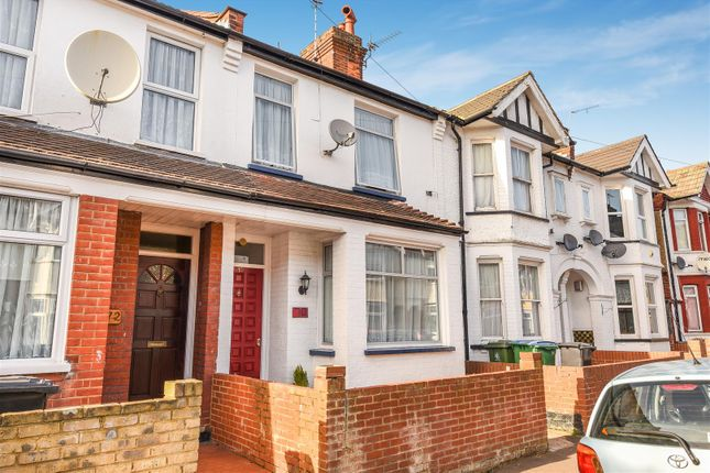Thumbnail Property for sale in Princes Avenue, Watford