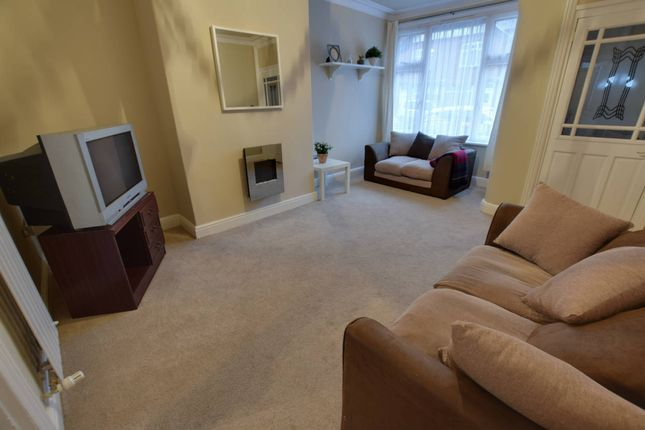 Thumbnail Terraced house for sale in Cross Flatts Place, Beeston, Leeds
