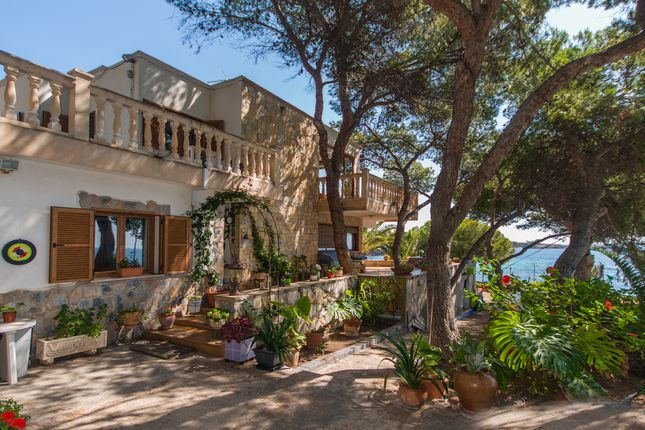 5 bed villa for sale in Palmanova, Mallorca, Balearic Islands