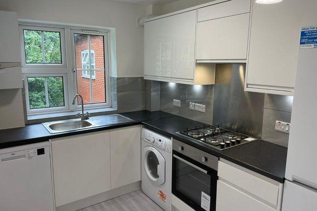 1 bed flat to rent in St. Saviours Court, - Harrow View, Harrow HA1