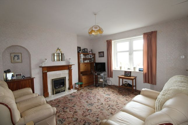 Lounge of Victoria Crescent, Cullen AB56