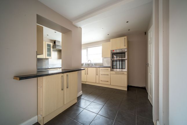 Thumbnail Semi-detached house to rent in Denewood Crescent, Nottingham
