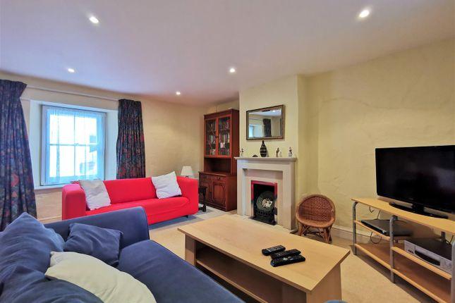 Sitting Room of London House, Bridge Street, Newport SA42