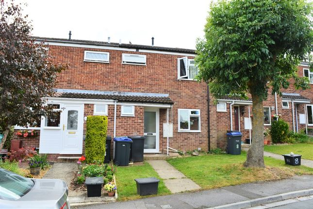 Thumbnail Terraced house to rent in Queens Way, Marlborough