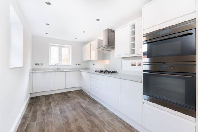 Thumbnail Property to rent in Caistor Park Road, London