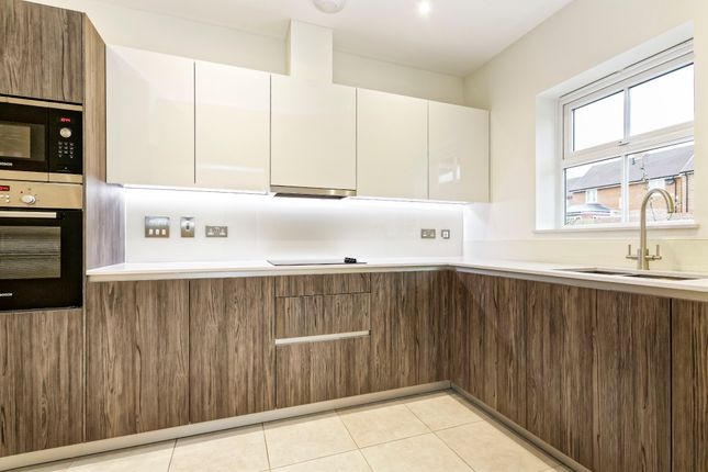 Thumbnail Terraced house to rent in Charlock Place, Woodhurst Park