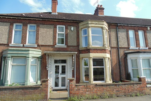 Thumbnail Terraced house for sale in Gold Street, Wellingborough