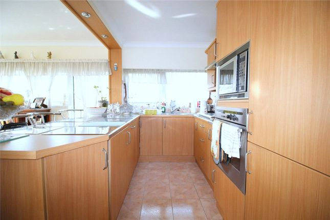 Thumbnail Flat to rent in South Row, London