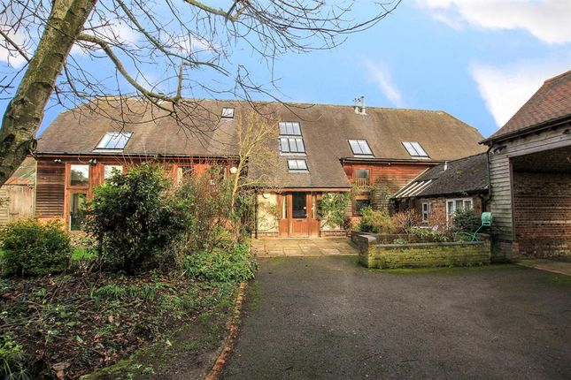 Thumbnail Detached house for sale in Marshcroft Lane, Tring